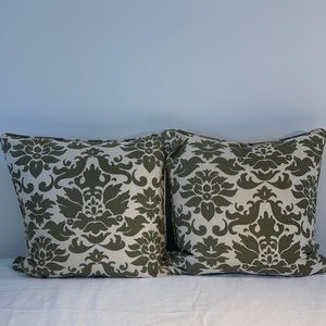 pottery Barn linen/cotton 2 decorative pillows